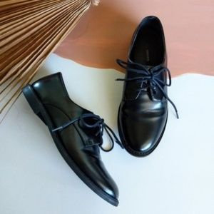 Black Faux Patent Leather Classic Lace Up Oxfords